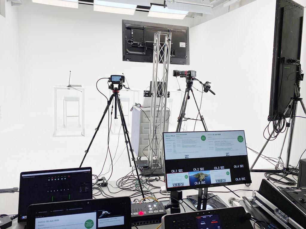 11go4live White Screen Studio